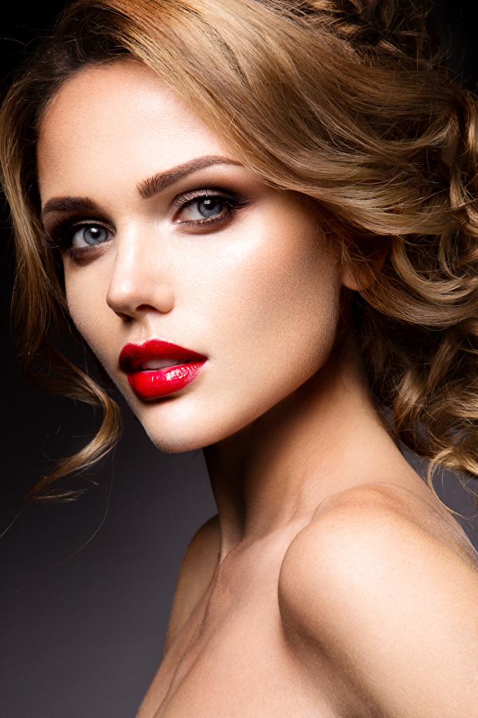 Фотографии шатенки Красивые лица Девушки Взгляд Красные губы  для мобильного телефона Шатенка красивая красивый Лицо девушка молодая женщина молодые женщины смотрят смотрит красными губами