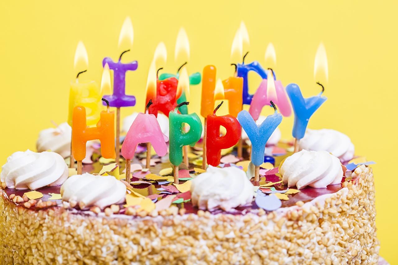 Картинки День рождения Торты Пища Свечи вблизи Еда Продукты питания Крупным планом
