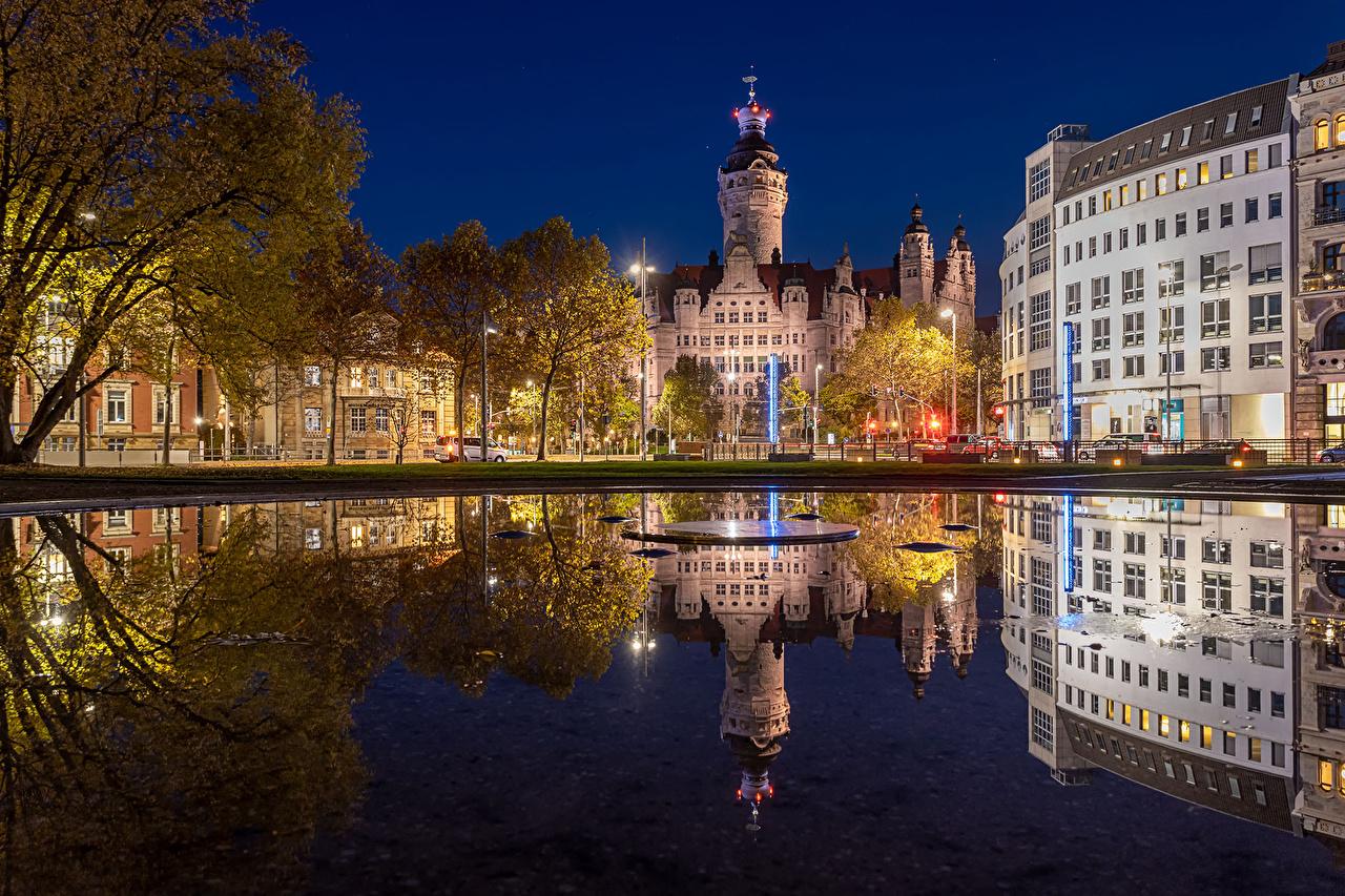 Фото Германия Leipzig Отражение Реки Ночь Уличные фонари Дома город отражении отражается река речка ночью в ночи Ночные Здания Города
