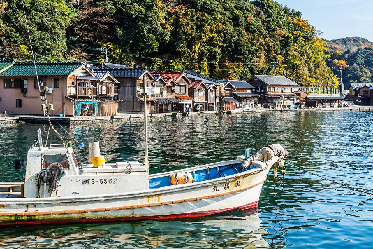 Фотография Киото Япония Реки Пирсы Катера Города Здания речка Причалы Пристань Дома