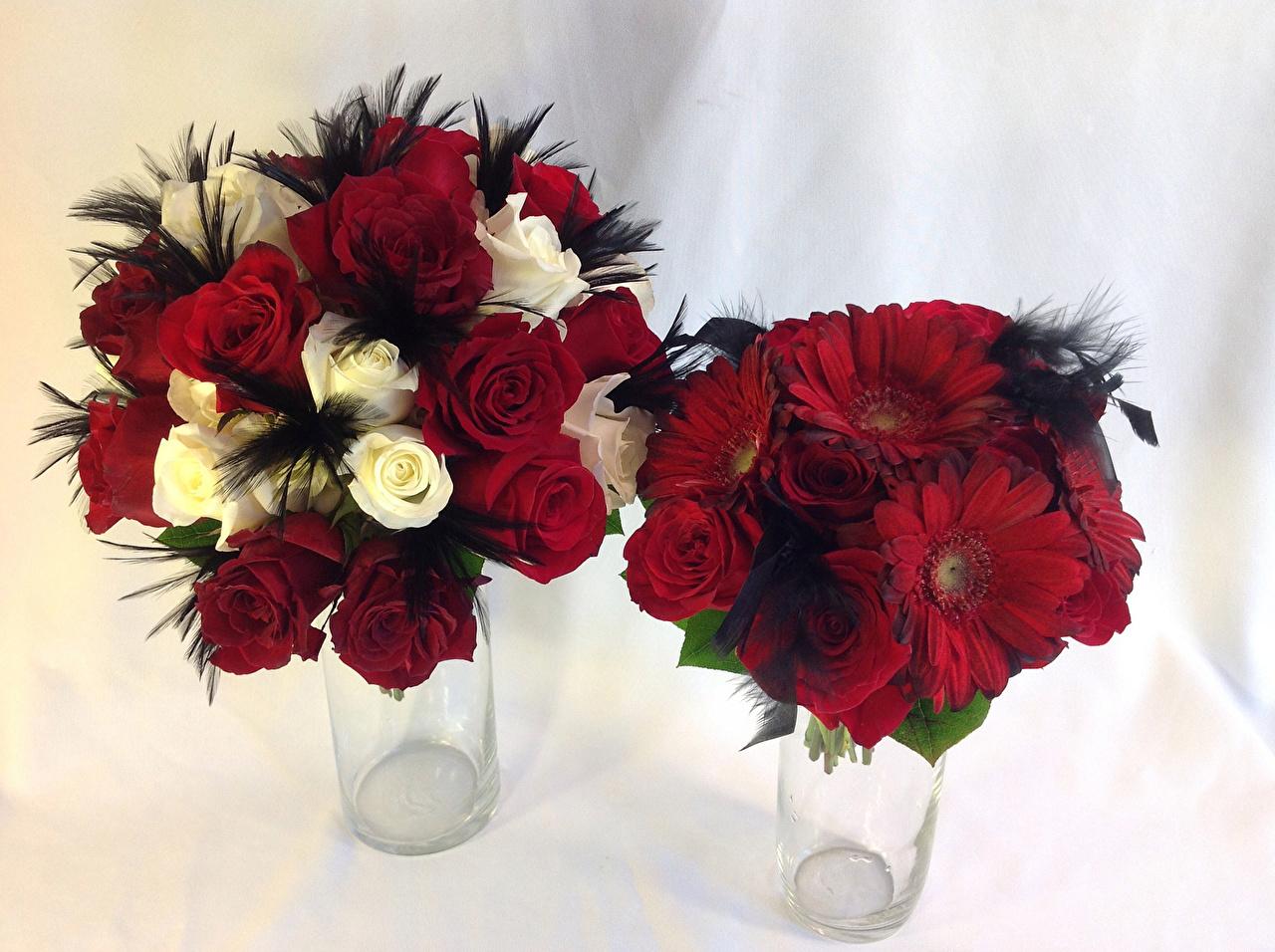Фотография Букеты Розы Двое Герберы Цветы 2 вдвоем