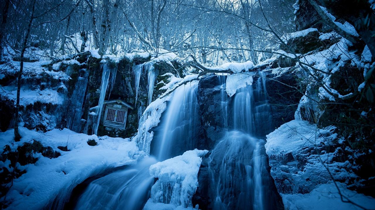 Картинки Скала зимние Природа Водопады Снег Утес Зима
