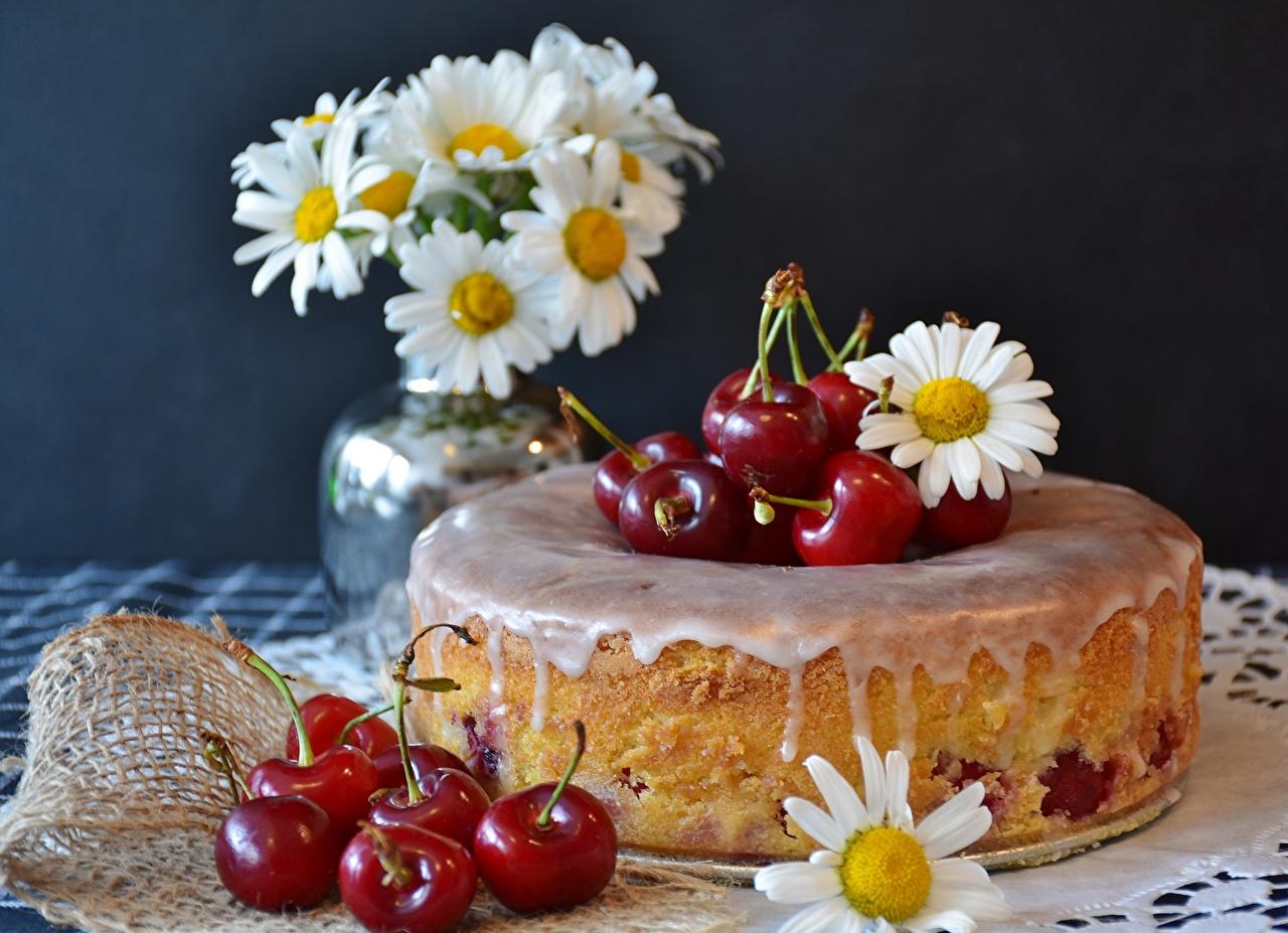 Фотография Пирог ромашка Черешня Еда Ягоды сладкая еда Вишня Ромашки Пища Продукты питания Сладости