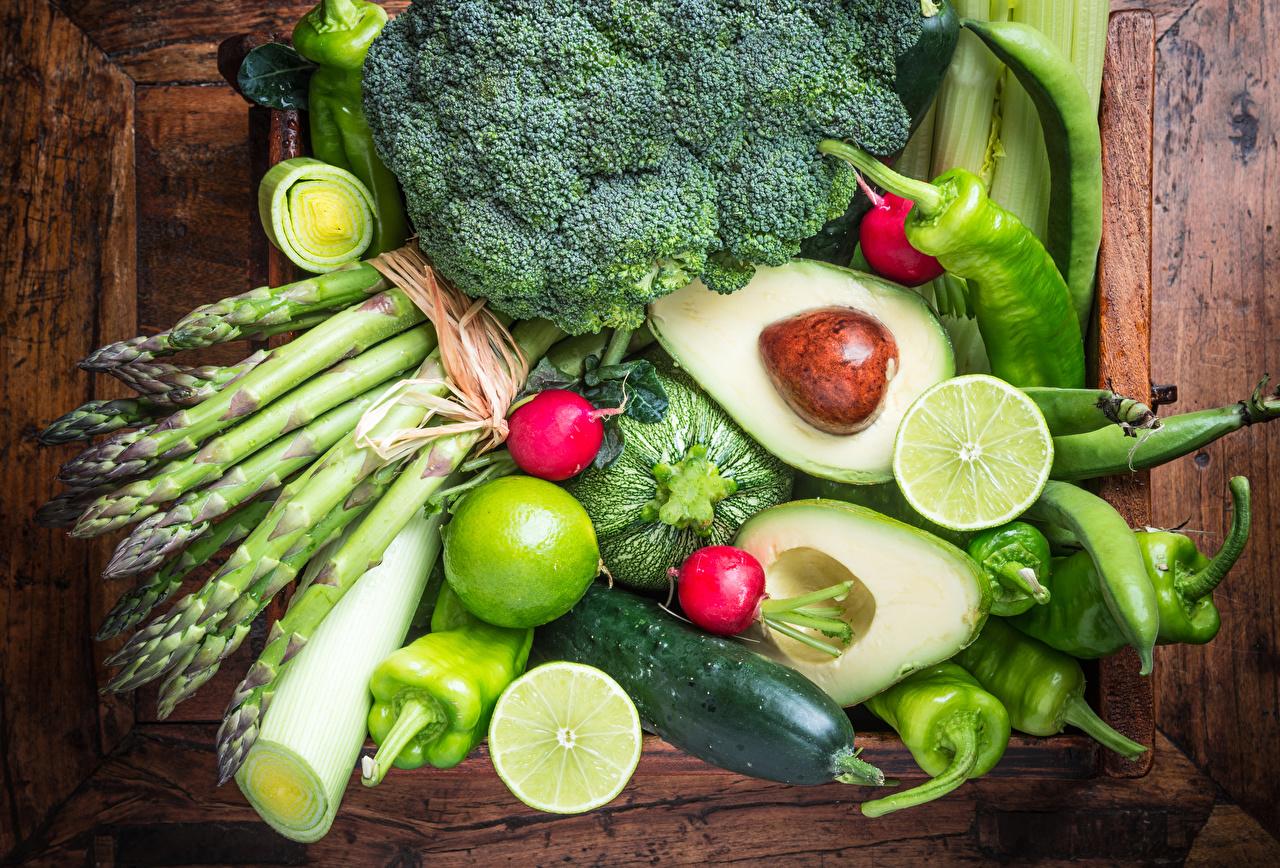 Фото Огурцы Авокадо Пища Перец Овощи Фрукты Доски Еда перец овощной Продукты питания
