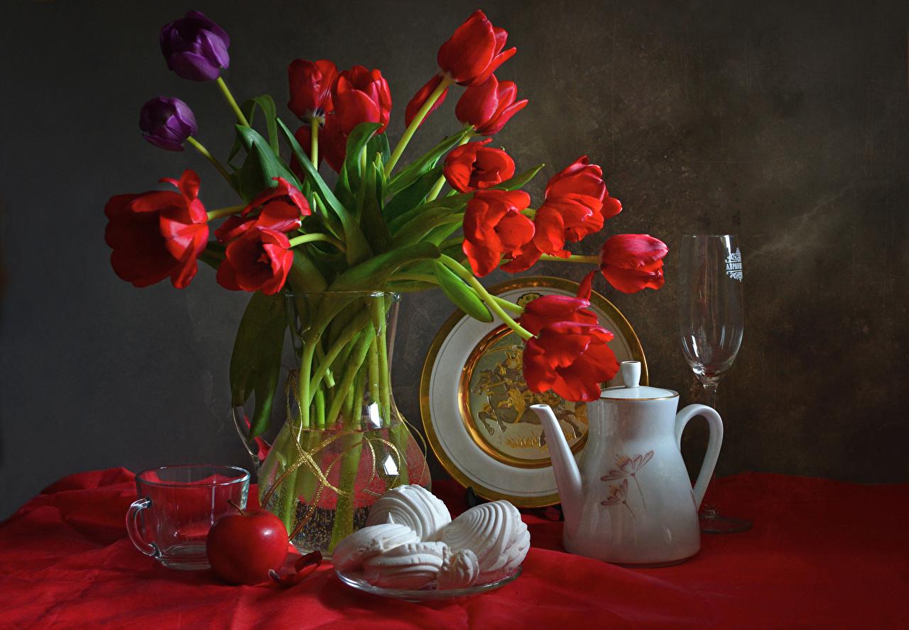 Картинки Зефир Тюльпаны Цветы Чайник Яблоки Еда вазе чашке Бокалы Натюрморт Ваза вазы Пища бокал Чашка Продукты питания