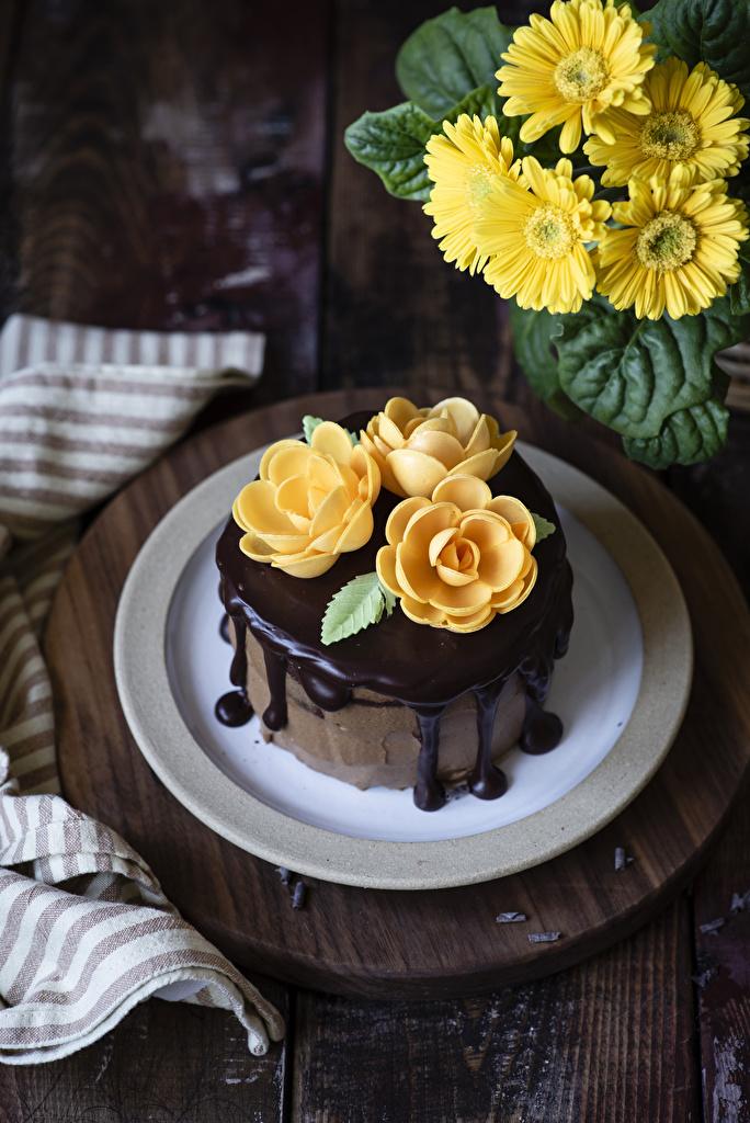 Картинка Шоколад Розы Торты Желтый Герберы Цветы Еда Дизайн Пища Продукты питания