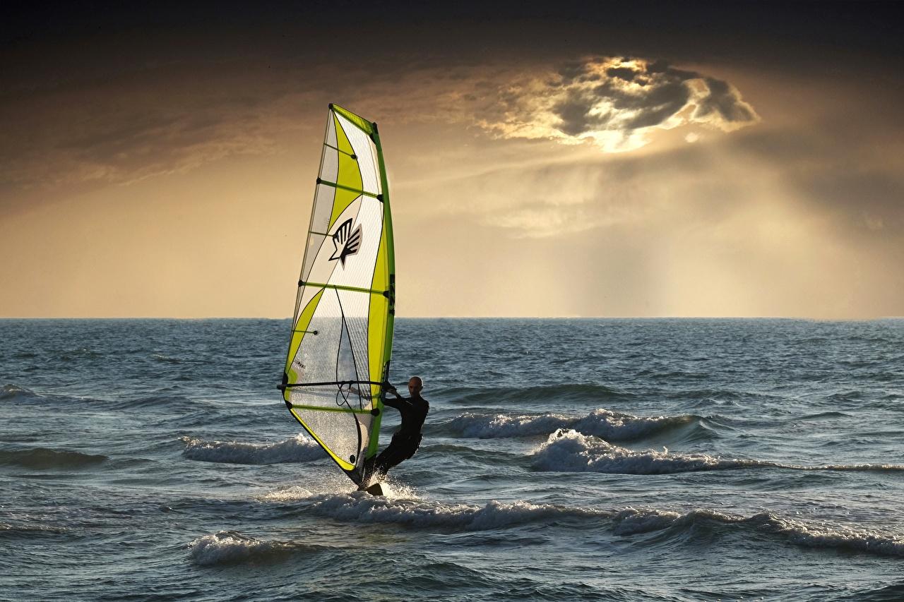 Картинки Мужчины Море Спорт Серфинг