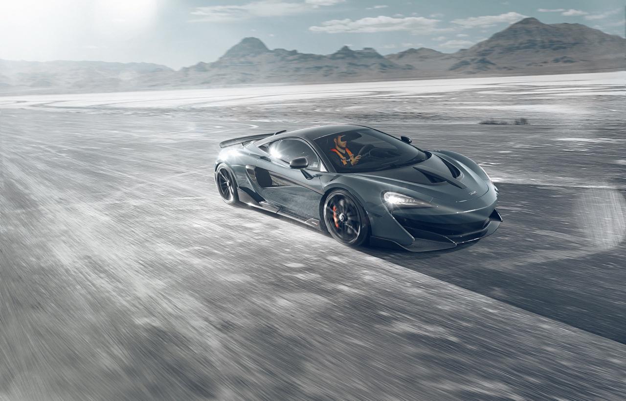 Картинка Макларен Novitec 600LT серая Движение машина McLaren Серый серые едет едущий едущая скорость авто машины Автомобили автомобиль