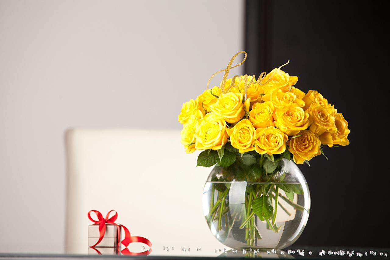 Обои Розы желтых Цветы подарков вазе Желтый желтые желтая цветок Подарки подарок вазы Ваза