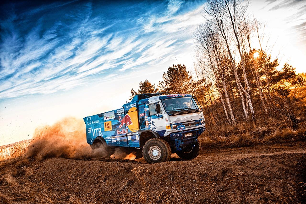 Фотография КАМАЗ Грузовики 309 SilkWay Dakar едущий KAMAZ едет едущая Движение скорость