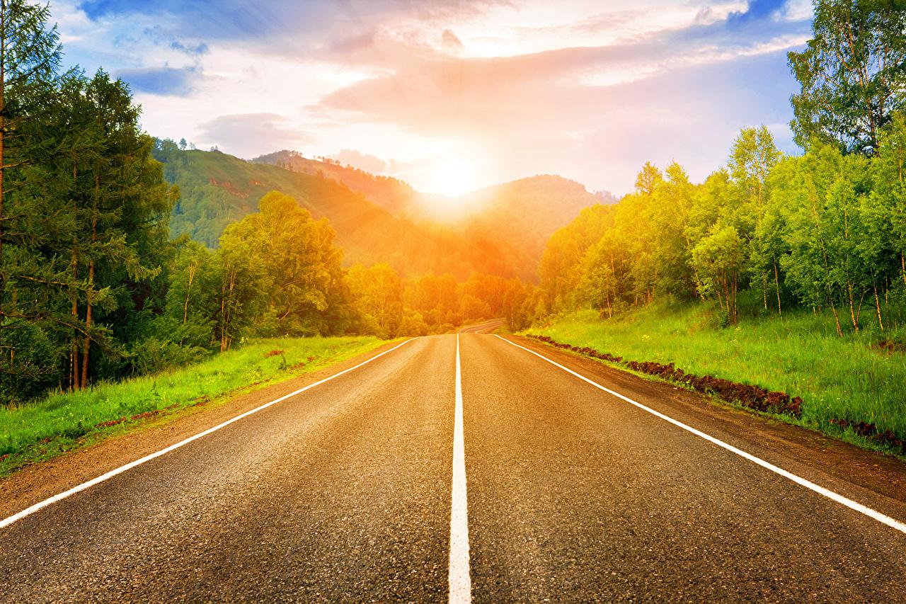 Фото HDRI Горы Природа лес Дороги рассвет и закат асфальта облако HDR гора Леса Рассветы и закаты Асфальт Облака облачно