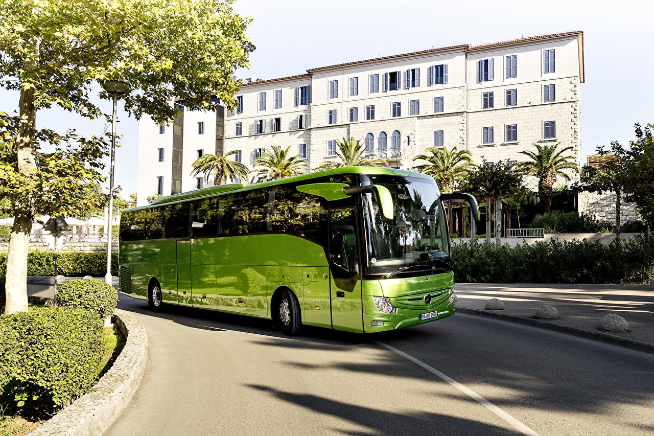 Картинки Автобус Мерседес бенц 2017 Tourismo M-2 RHD салатовая авто Mercedes-Benz Салатовый салатовые желто зеленый машина машины автомобиль Автомобили
