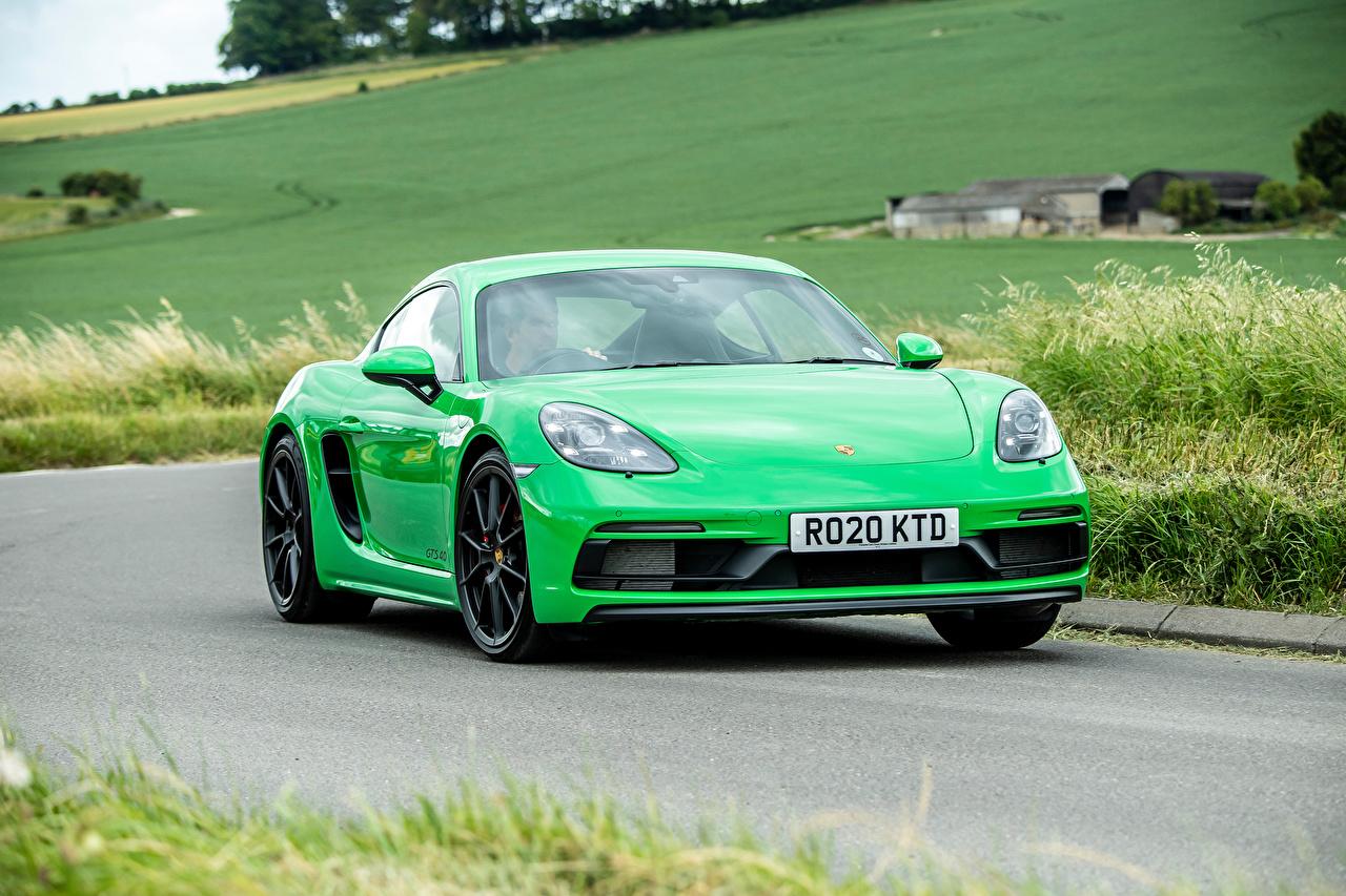 Обои для рабочего стола Порше 718 Cayman GTS 4.0, 982C, UK-spec, 2020 Купе зеленые едет Дороги машины Металлик Porsche зеленая Зеленый зеленых едущий едущая скорость Движение авто машина Автомобили автомобиль