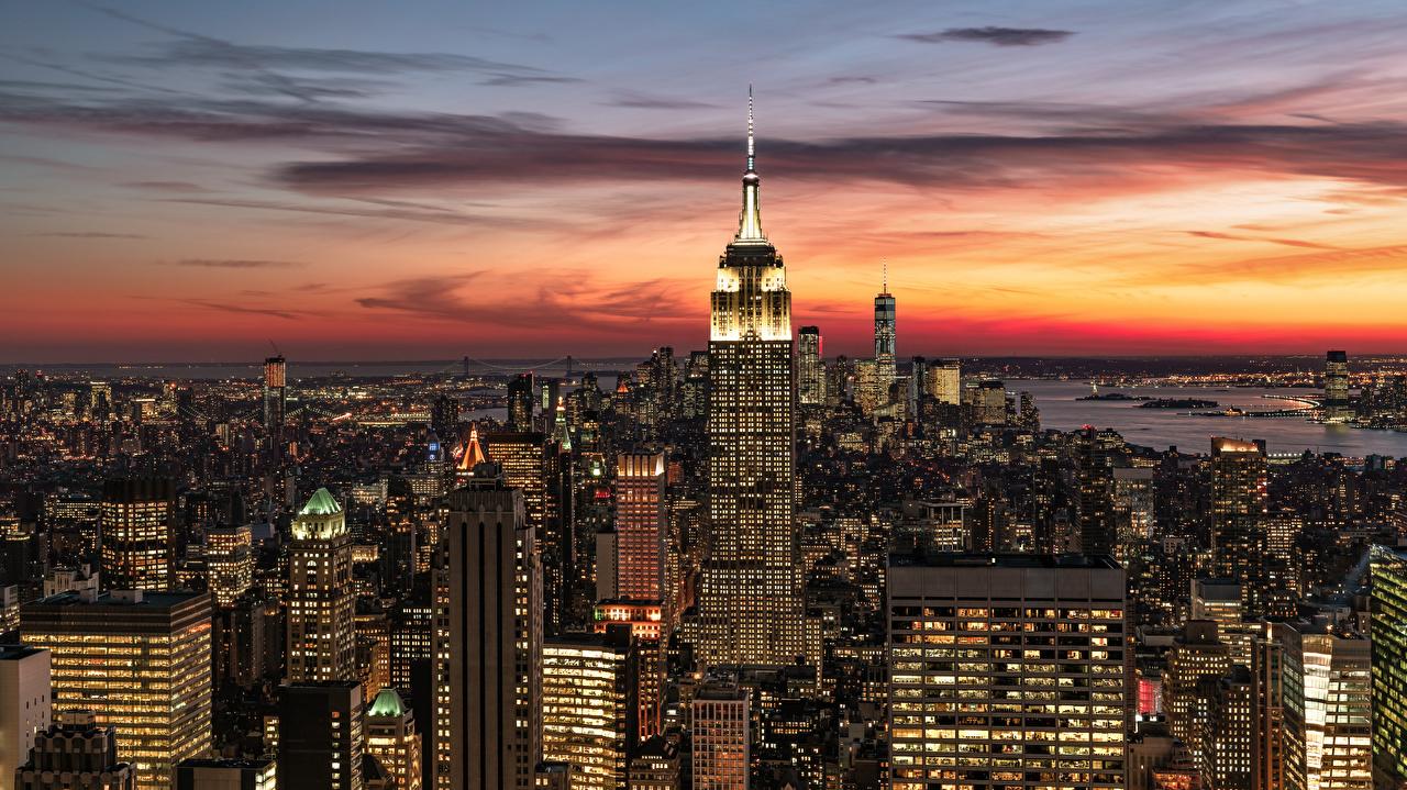 Обои для рабочего стола Нью-Йорк Манхэттен штаты Вечер Небоскребы Здания Города США америка Дома город