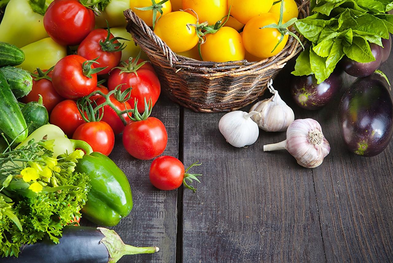 Фото Огурцы Помидоры Чеснок Еда Перец Овощи Томаты Пища перец овощной Продукты питания