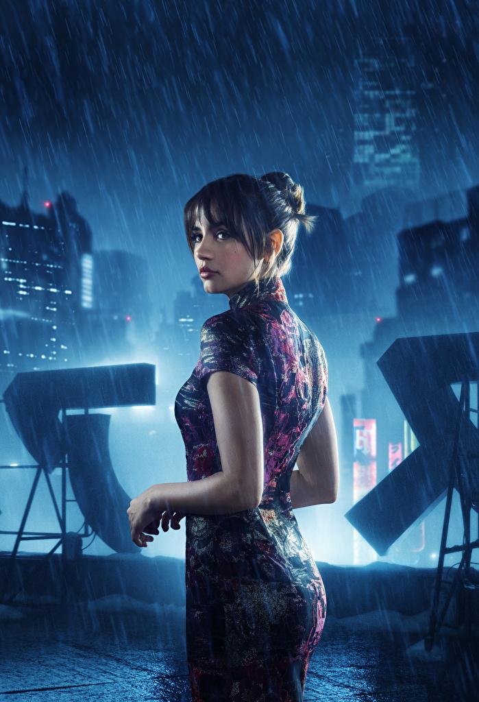 Фото Девушки Бегущий по лезвию 2049 Фильмы Дождь Ана де Армас  для мобильного телефона девушка молодые женщины молодая женщина кино