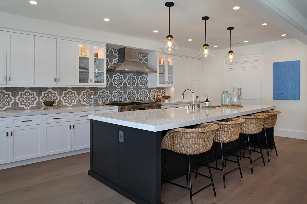 Картинка Кухня Потолок Интерьер Стол Стулья дизайна кухни потолка стул столы стола Дизайн