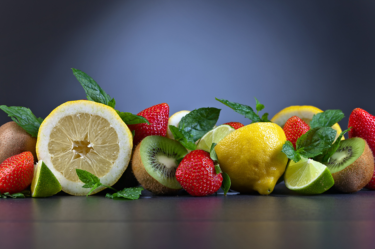 Обои для рабочего стола Киви Лимоны Клубника Фрукты Продукты питания Еда Пища
