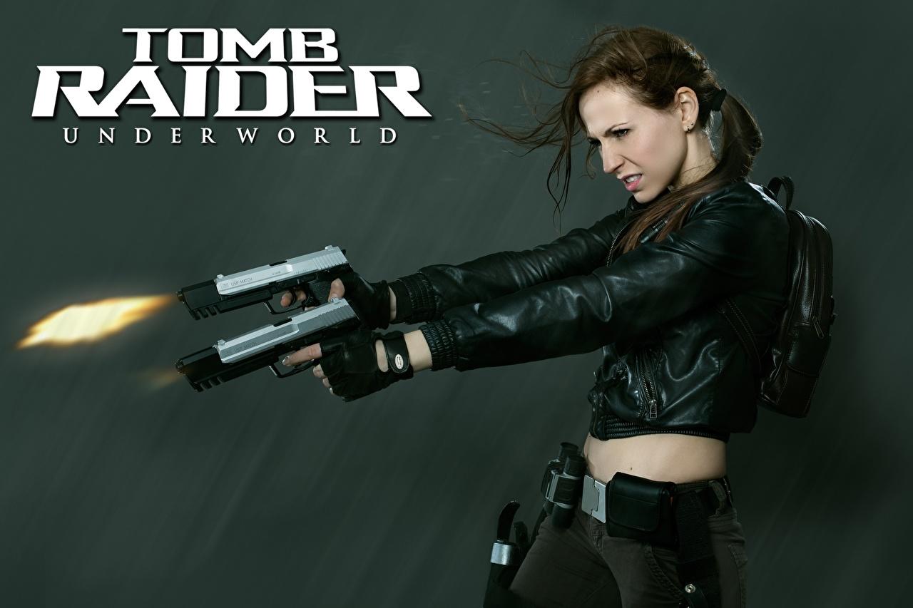 Обои для рабочего стола Tomb Raider Underworld выстрелил Лара Крофт пистолетом Косплей куртке Девушки компьютерная игра рука Выстрел стреляет стрельба пистолет Пистолеты Куртка куртки девушка куртках молодые женщины молодая женщина Игры Руки