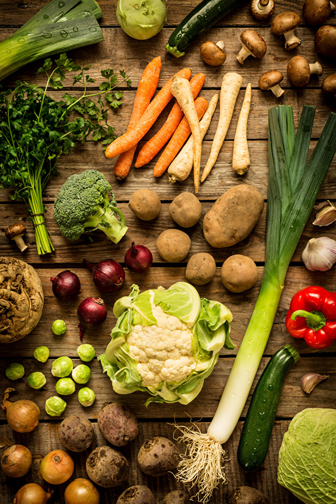 Фотографии Капуста картошка морковка Лук репчатый Грибы Овощи Продукты питания Доски  для мобильного телефона Морковь Картофель Еда Пища