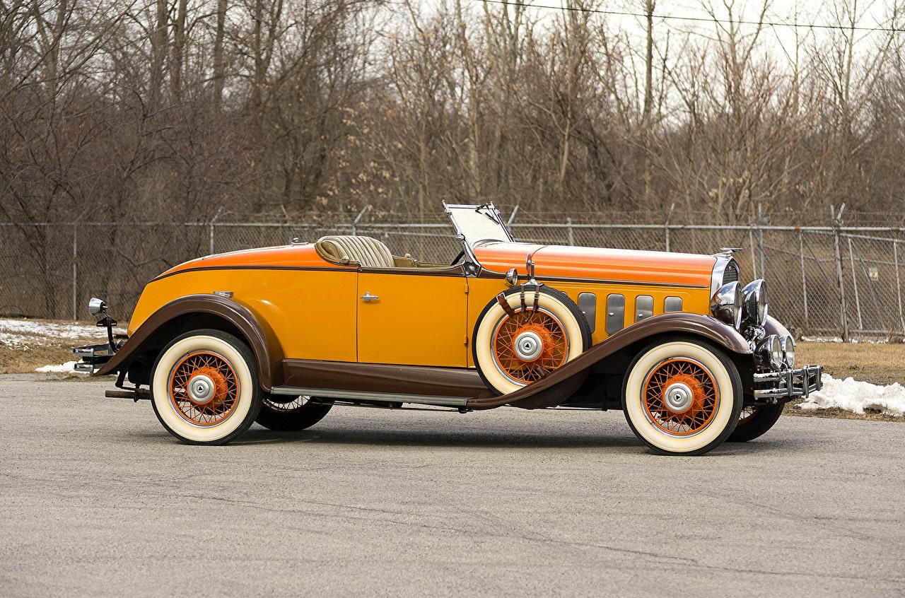 Фотография 1931 Hudson Greater Eight Sport Roadster Родстер кабриолета Ретро желтые Сбоку Металлик автомобиль Кабриолет желтых Желтый желтая винтаж старинные авто машина машины Автомобили