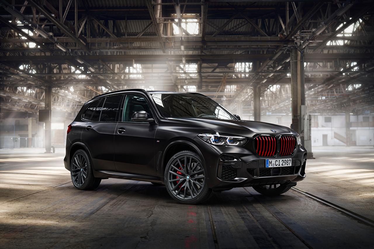 Фото БМВ CUV X5 M50i Edition Black Vermilion, (Worldwide), (G05), 2021 Черный автомобиль BMW Кроссовер черная черные черных авто машины машина Автомобили