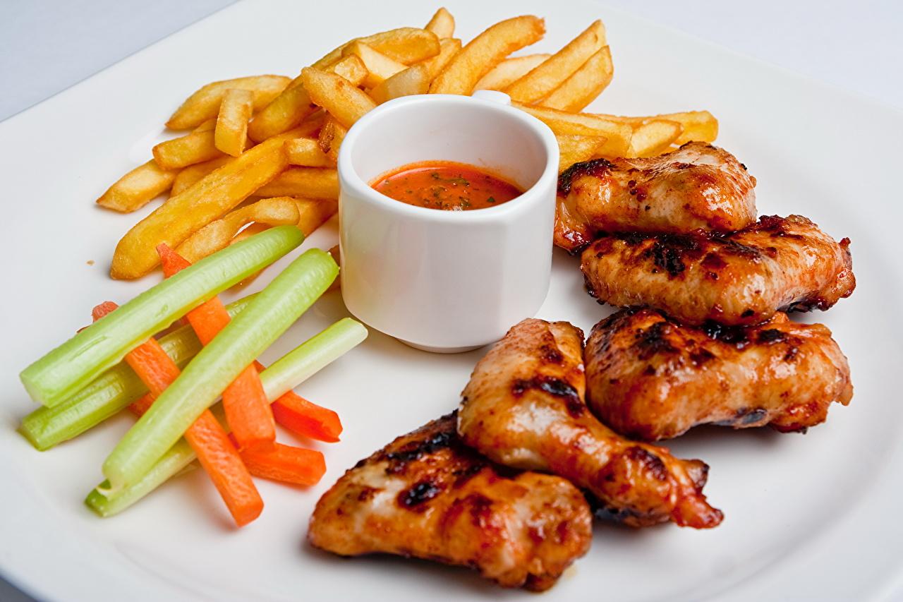 Обои для рабочего стола Картофель фри Курица запеченная Пища Мясные продукты Еда Продукты питания