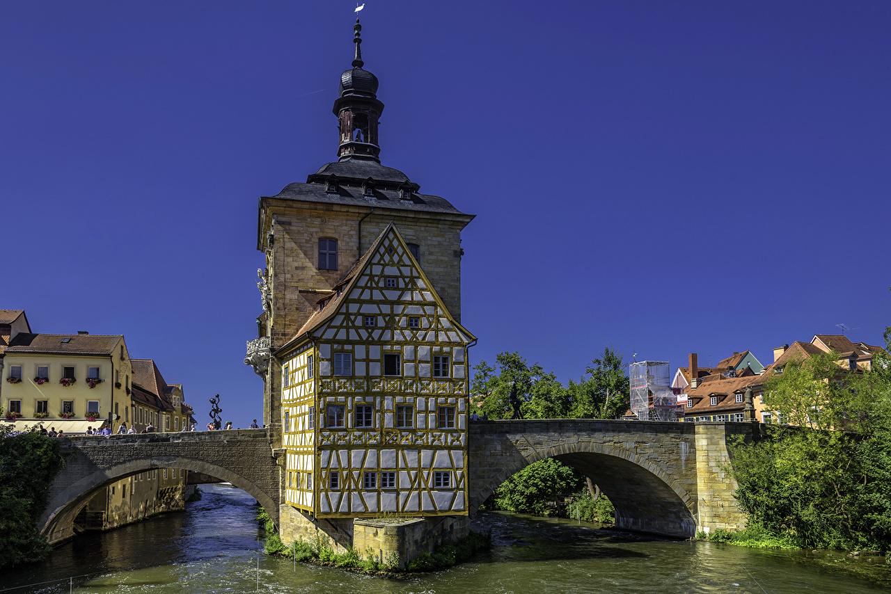 Обои для рабочего стола Бавария Германия Bamberg Old Town Hall мост река Дома город Мосты Реки речка Города Здания