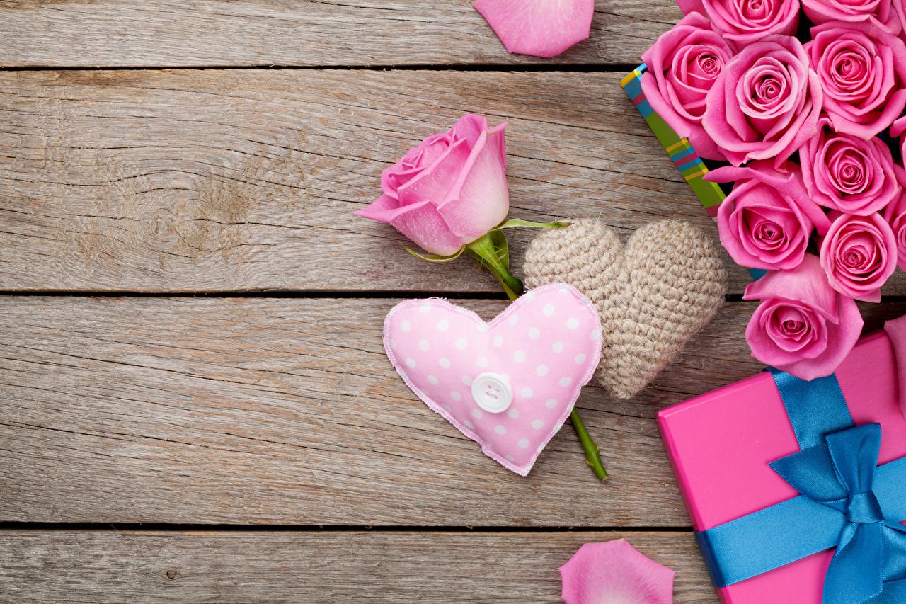 Картинки День всех влюблённых Сердце роза розовых Цветы Доски День святого Валентина серце сердца сердечко Розы Розовый розовая розовые цветок