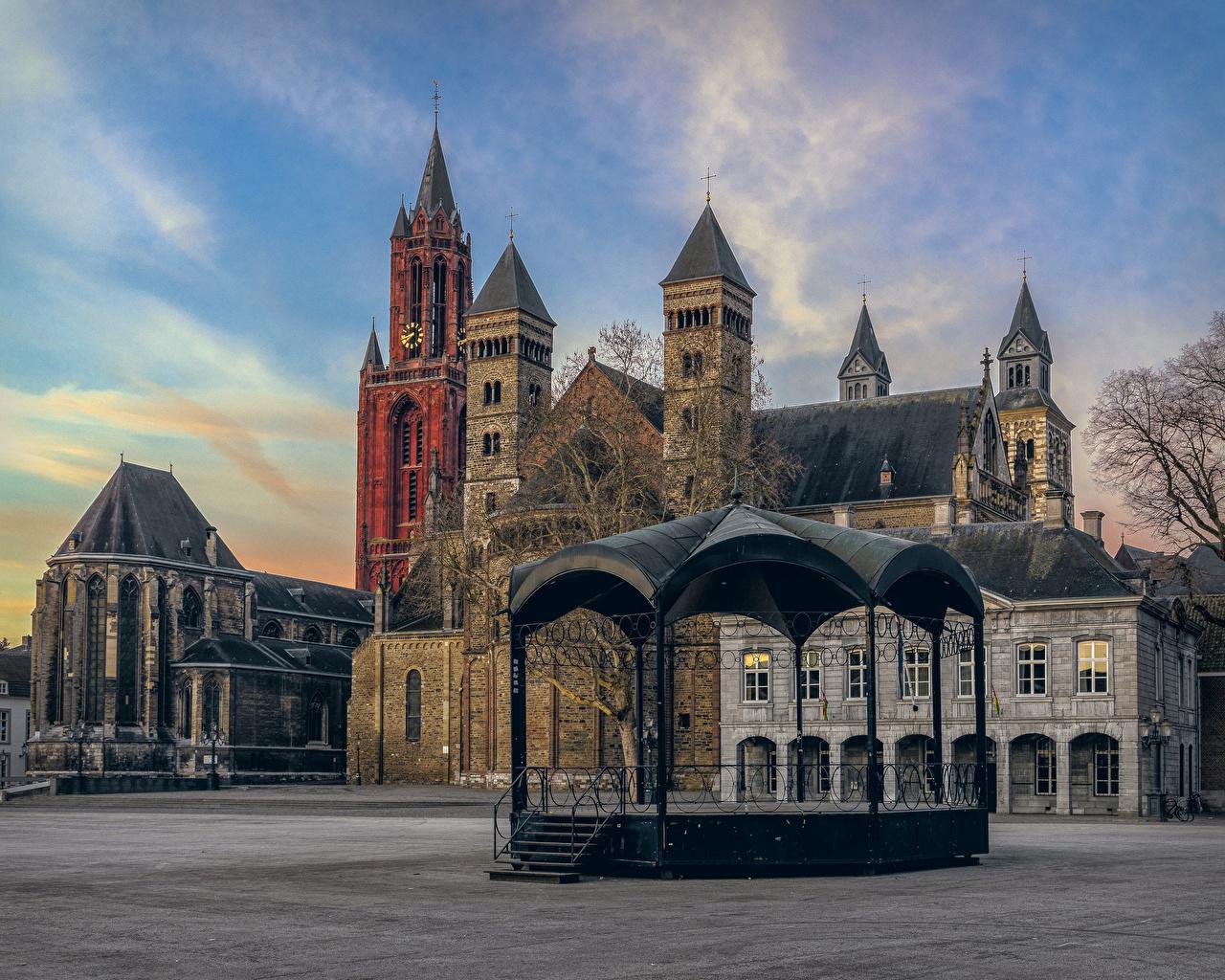 Фотографии Нидерланды Городская площадь Maastricht Дома Города Здания