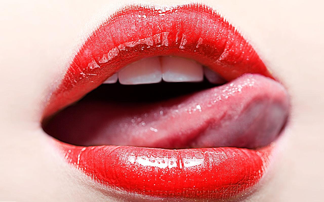 эротические фотографии женских губ когда ебет меня