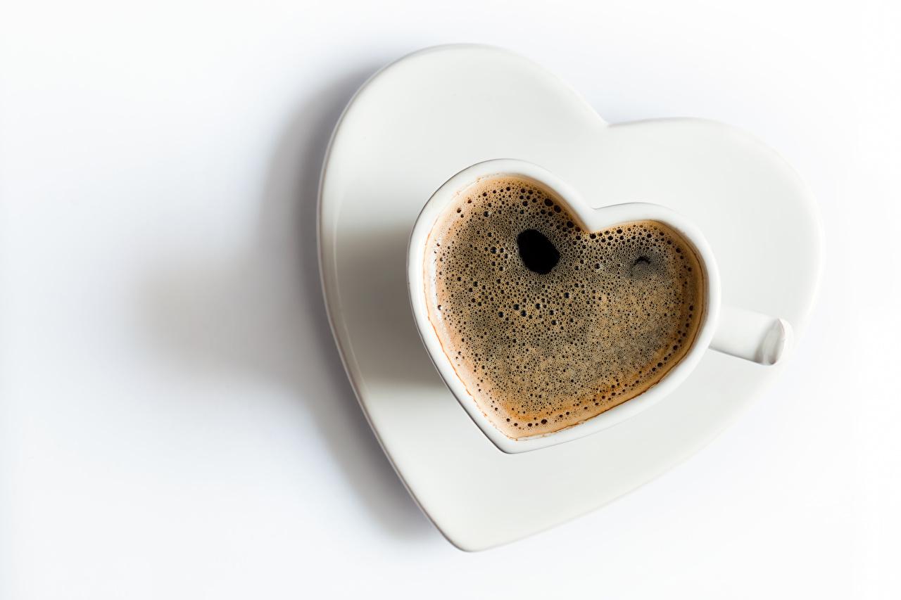 Картинки День святого Валентина Сердце Кофе Еда Чашка Белый фон День всех влюблённых сердечко Пища Продукты питания