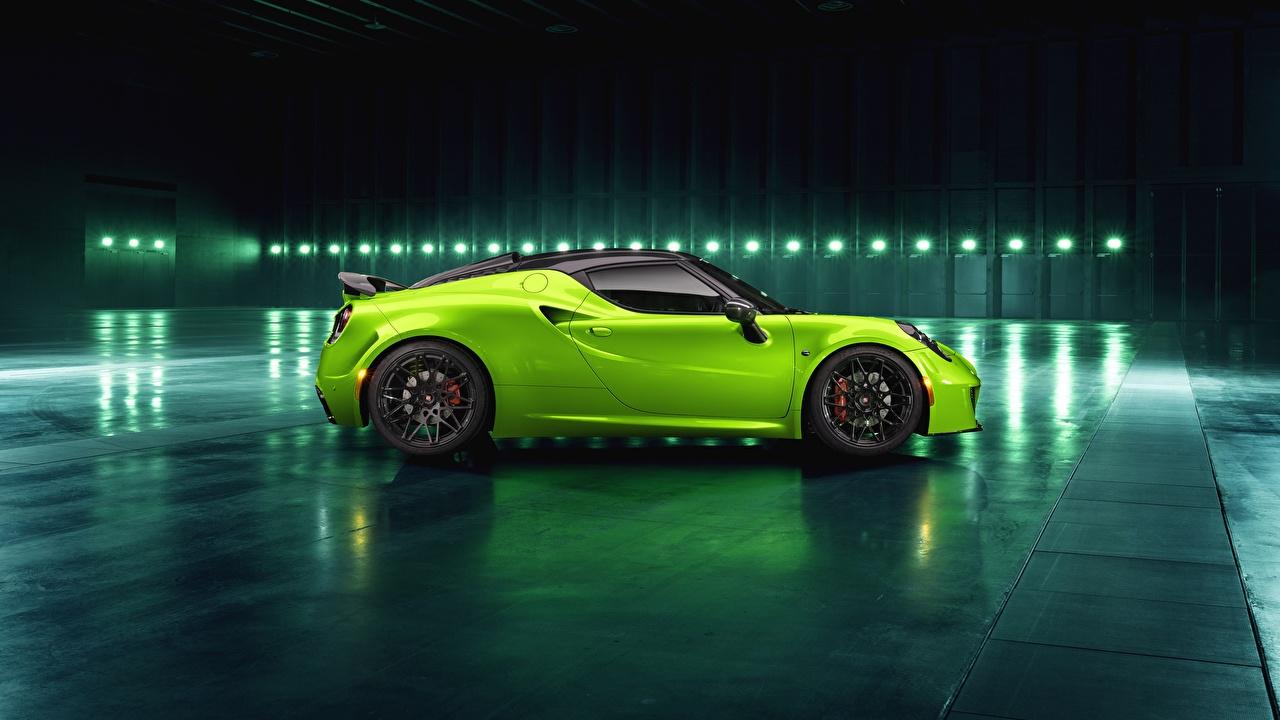 Картинки Альфа ромео 2018 Green Arrow Centurion 4C Pogea Racing салатовые Сбоку машина Alfa Romeo салатовая Салатовый желто зеленый авто машины автомобиль Автомобили