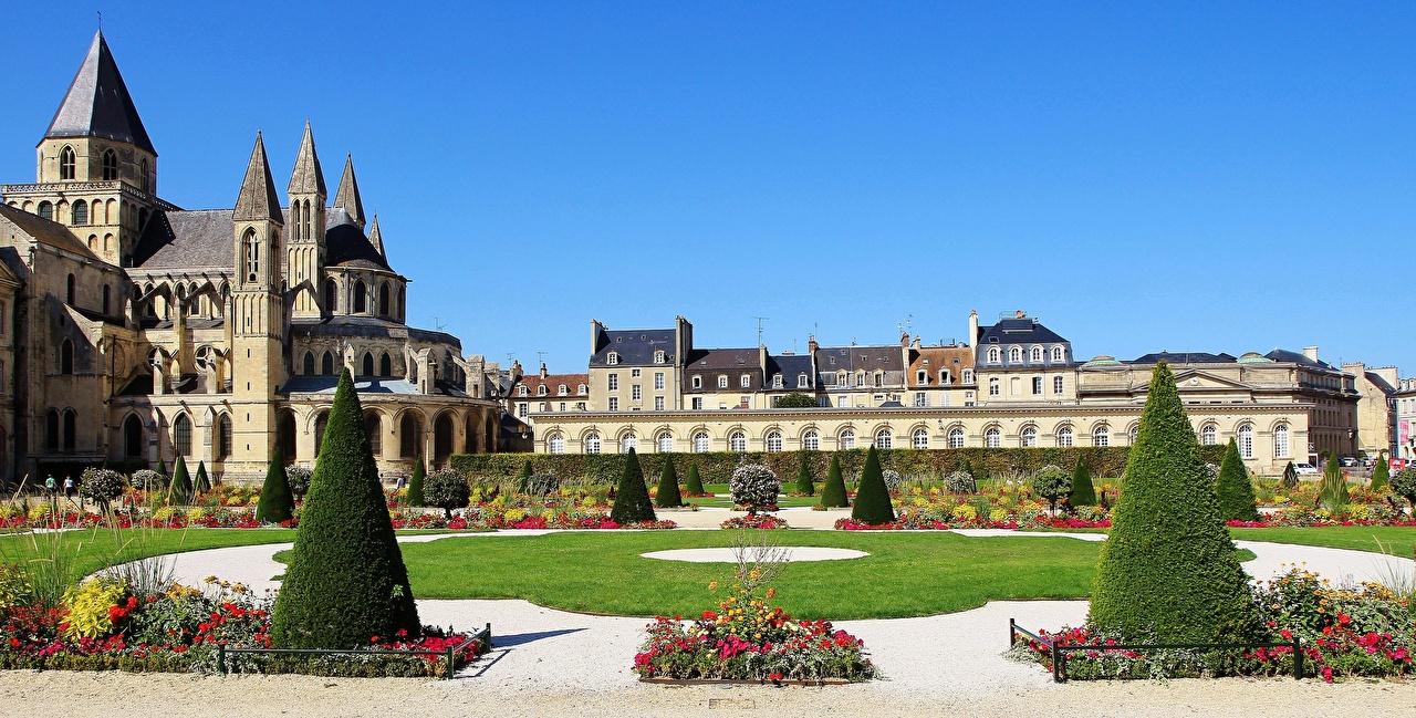 Фотография Церковь Франция башни St Stephen's Church, Caen Газон город Башня газоне Города