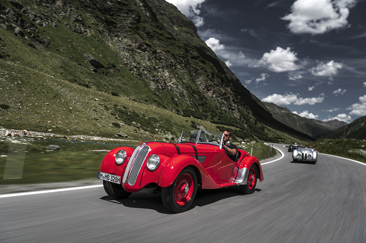 Картинки BMW 1936-40 328 Roadster Родстер Красный старинные Движение авто Металлик БМВ Ретро Винтаж красных красная красные едет едущий едущая скорость машина машины автомобиль Автомобили