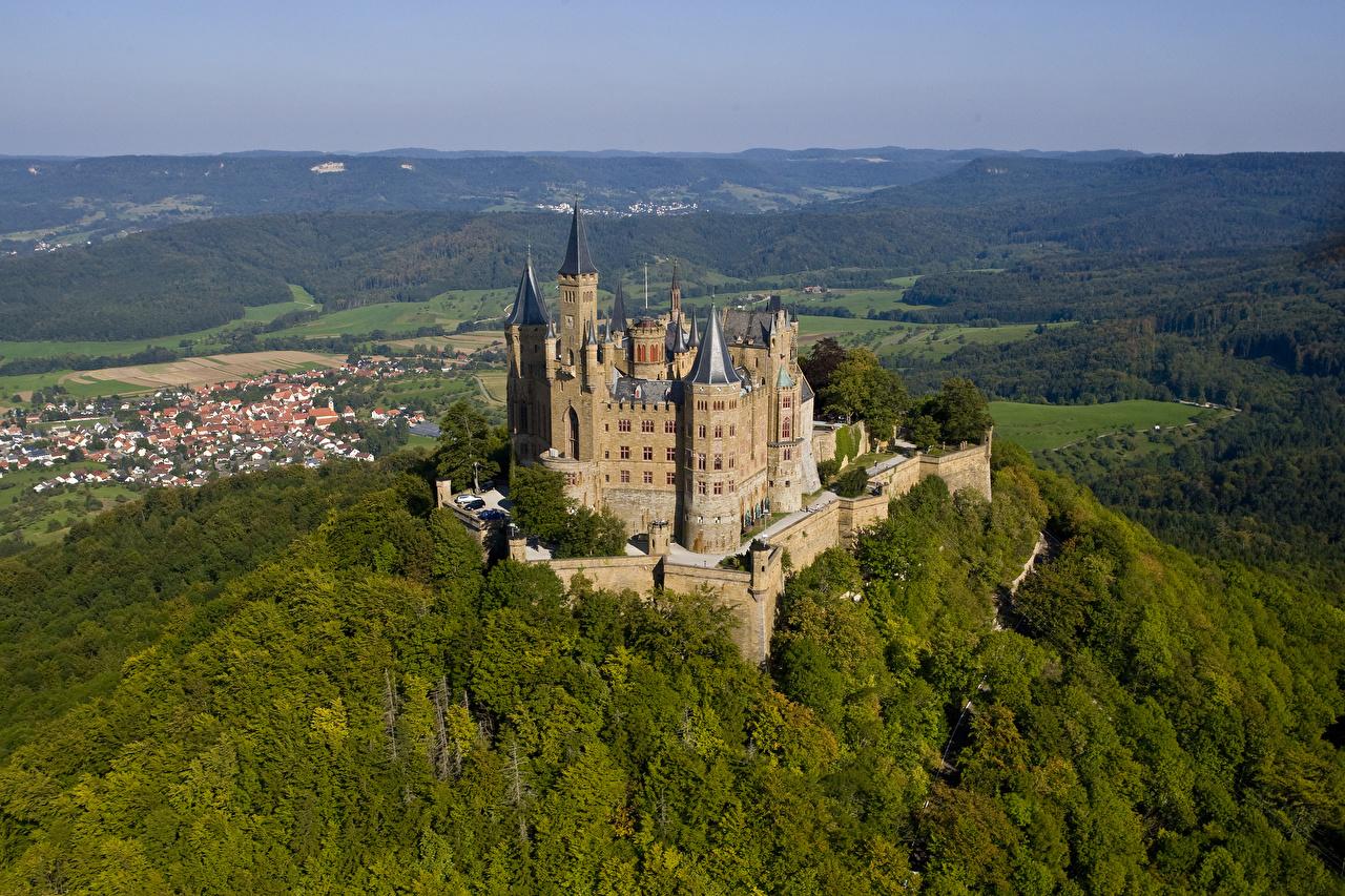 Картинка Крепость Германия Hohenzollern Castle, Baden-Württemberg замок Холмы Города Замки холм холмов город