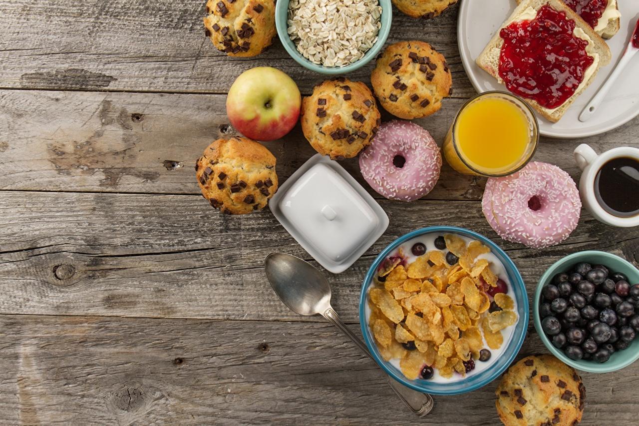 Фотографии Сок Пончики Завтрак Пища Мюсли ложки Доски Еда Ложка Продукты питания