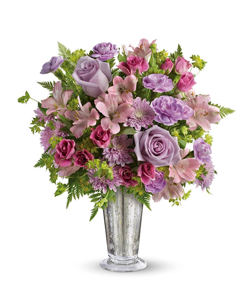 Фото Букеты роза цветок Хризантемы Альстрёмерия Ваза белым фоном  для мобильного телефона букет Розы Цветы вазы вазе Белый фон белом фоне