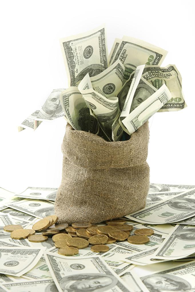 Фотография Монеты Доллары Банкноты Деньги белым фоном Купюры Белый фон белом фоне