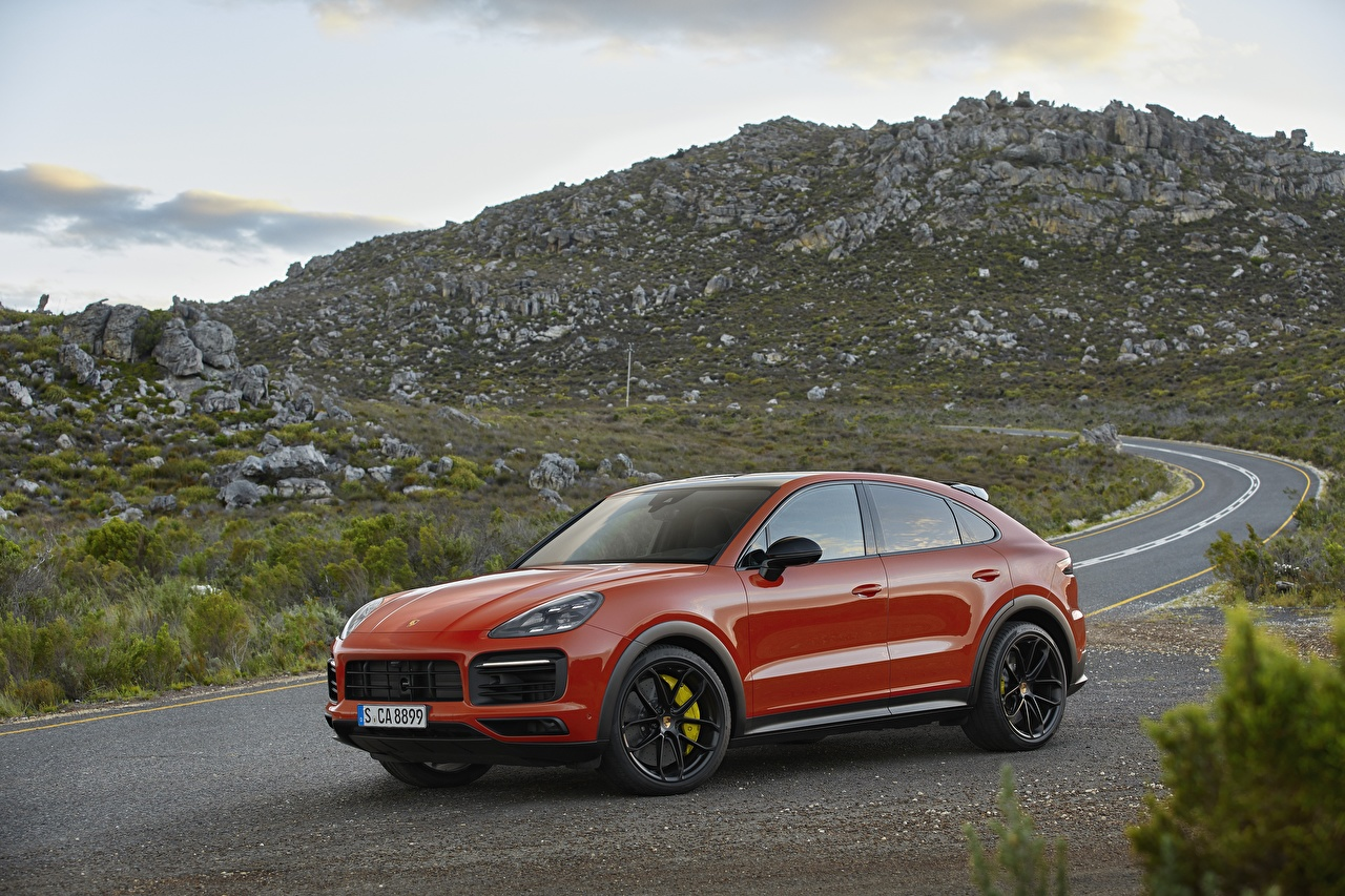 Фотография Порше CUV Cayenne Купе красных Металлик Автомобили Porsche Кроссовер Красный красные красная авто машина машины автомобиль