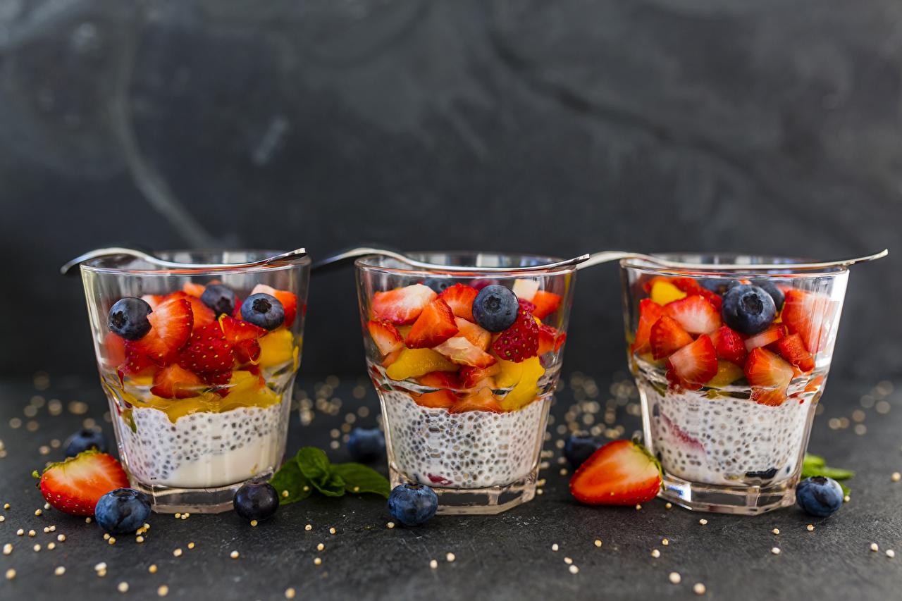 Фотография Йогурт стакане Черника Еда Ягоды втроем Стакан стакана три Пища Трое 3 Продукты питания