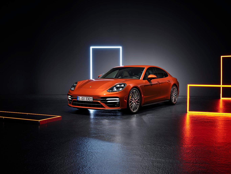 Фото Порше Panamera Turbo S (971), 2020 оранжевые машина Металлик Porsche оранжевая Оранжевый оранжевых авто машины Автомобили автомобиль