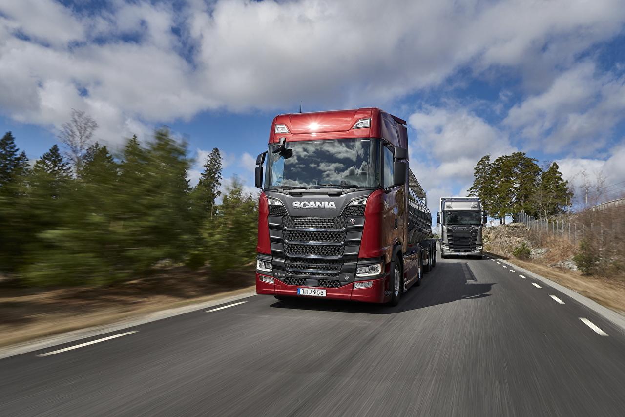 Обои Scania Грузовики S 650 Красный Движение Машины Сканиа едущий скорость Авто Автомобили