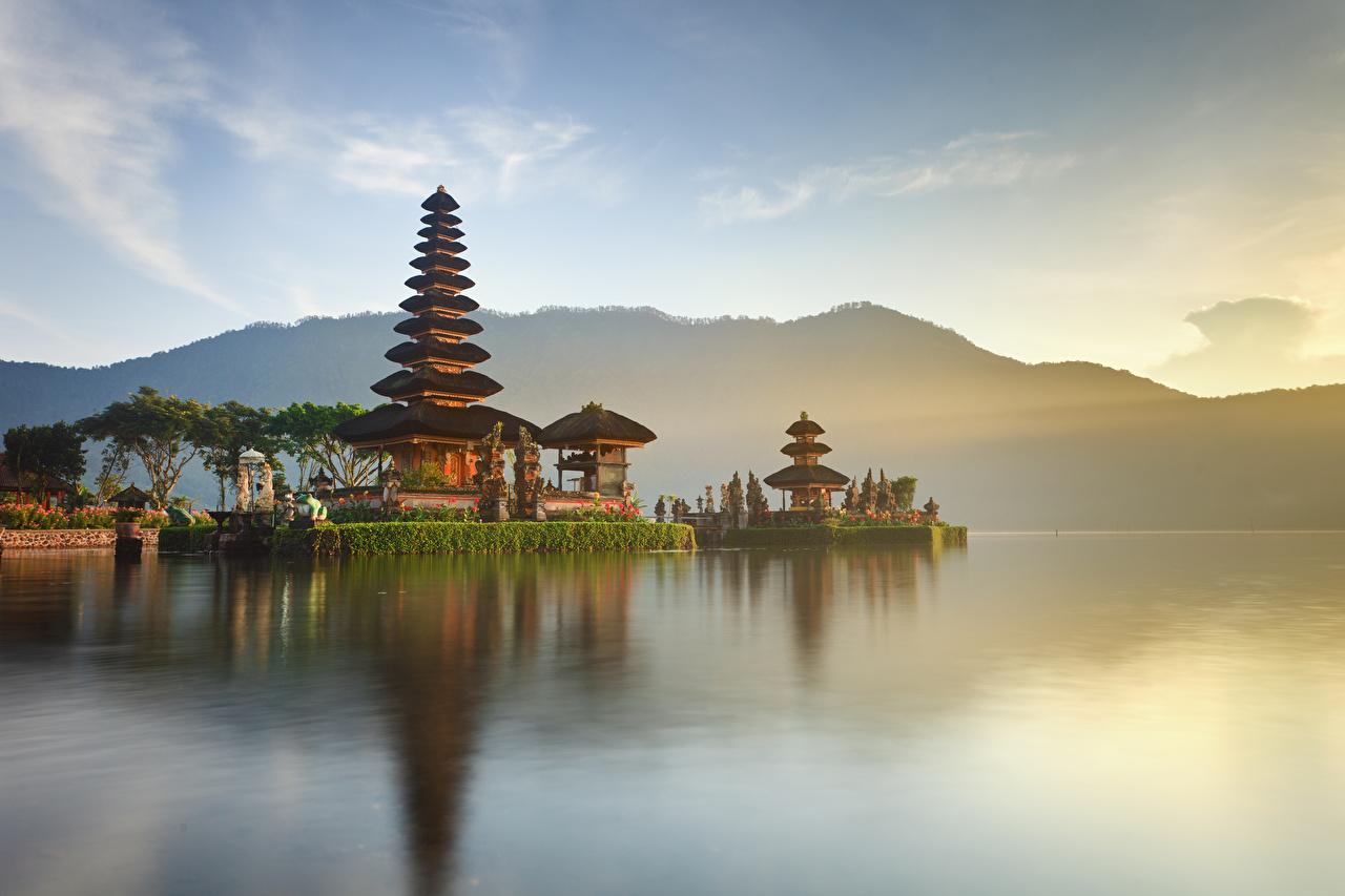 Фотографии Индонезия Ulun Danu Beratan Temple Bali Храмы залива город храм Залив заливы Города