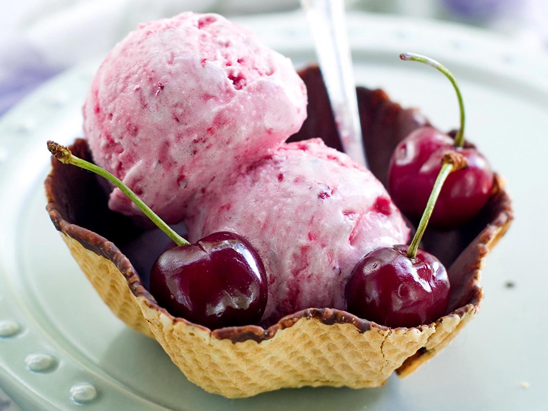 Обои для рабочего стола Мороженое Вишня Еда Сладости Черешня Пища Продукты питания сладкая еда