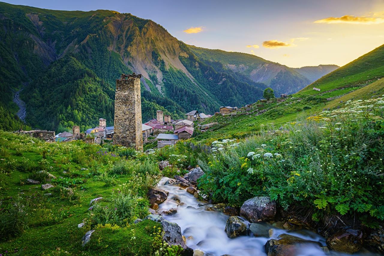 Фото Грузия Adishi, Upper Svaneti гора ручеек Природа Трава Камни Горы Ручей траве Камень