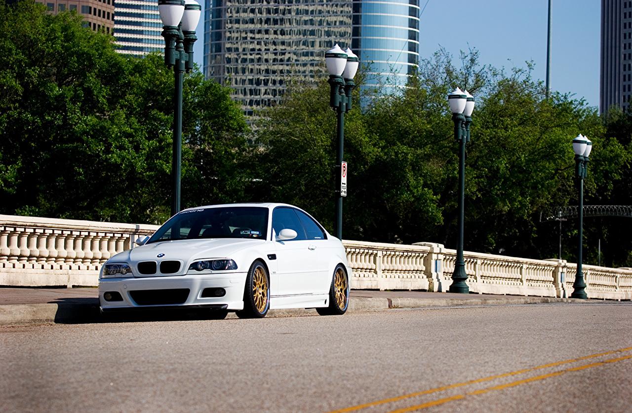 Фото BMW m3 e46 Белый авто Уличные фонари БМВ белая белые белых машина машины Автомобили автомобиль