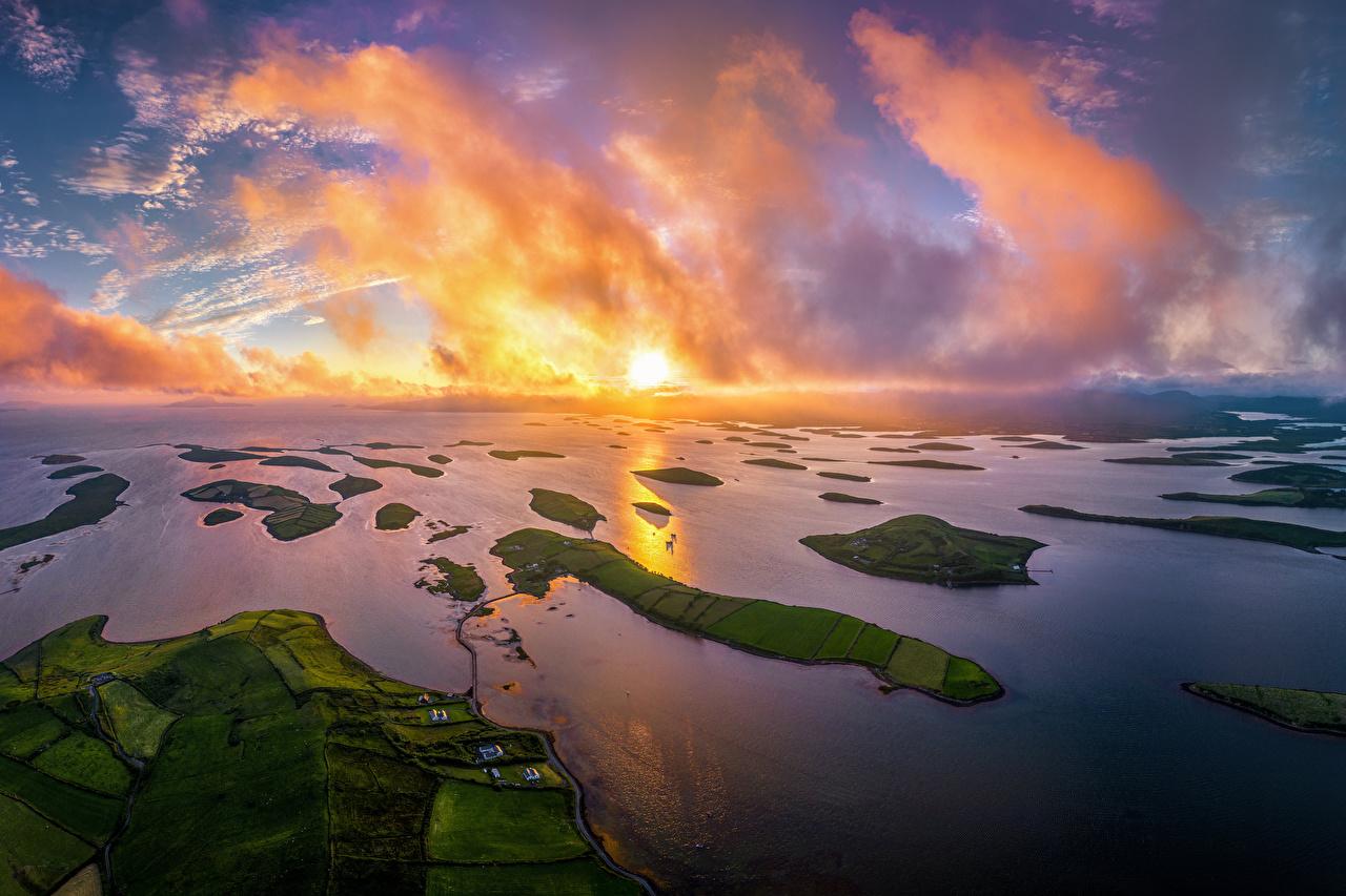 Обои для рабочего стола Ирландия Westport Природа Рассветы и закаты берег Сверху Облака рассвет и закат Побережье облако облачно