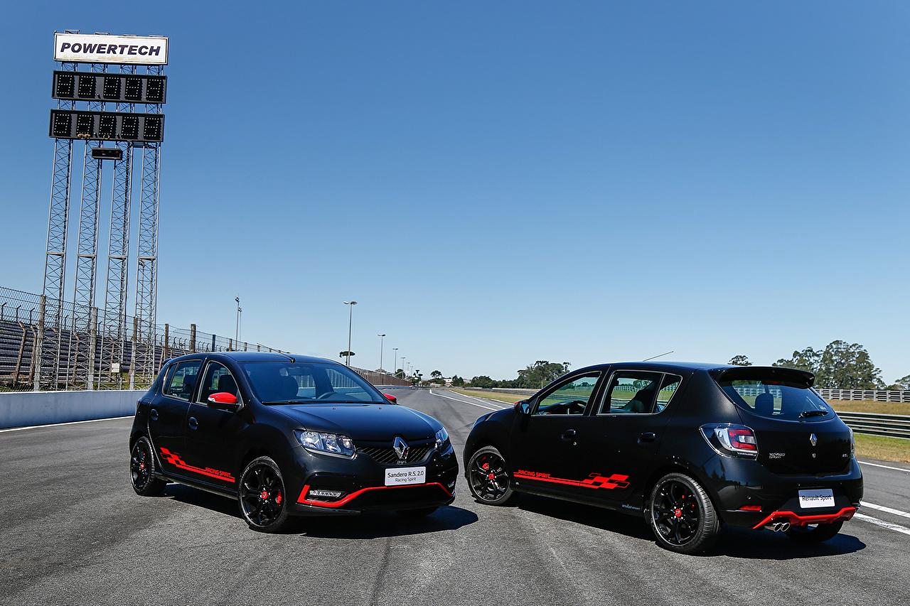 Картинки Renault 2017 Sandero R.S. 2.0 Racing Spirit Черный вдвоем автомобиль Рено 2 два две Двое черных черная черные авто машина машины Автомобили