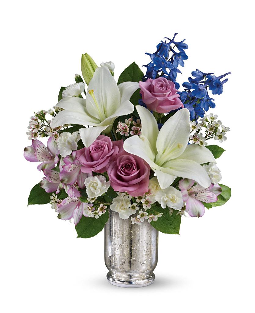 Фотография букет роза Лилии Цветы Альстрёмерия Ваза белым фоном Букеты Розы лилия цветок вазы вазе Белый фон белом фоне